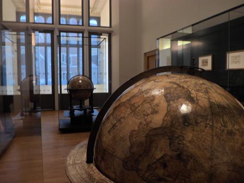 Hemel- en aardbol in het Rijksmuseum te Amsterdam